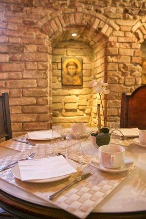 Hotel Degli Affreschi: particolare sala colazioni