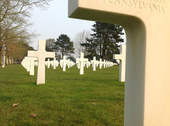 D-Day Battle Tours : American Cemetary in Normandy