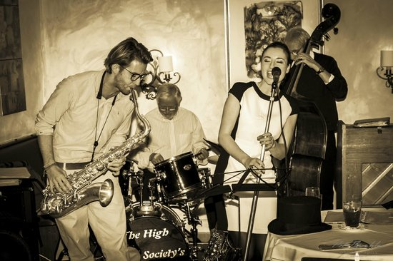 Art Hotel Riposo: jazz in cortile