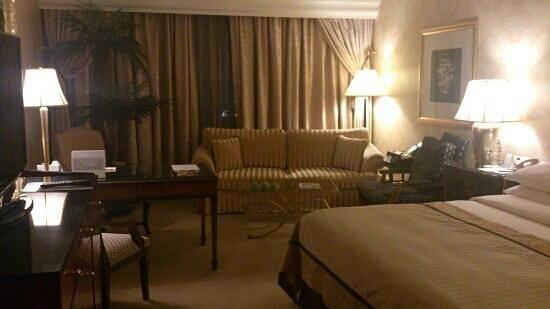 Hotel Mulia Senayan, Jakarta: nice room, very classic