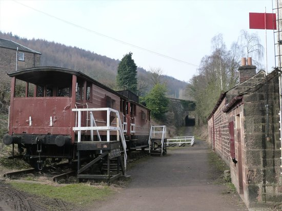 Cromford Canal: The old railway line