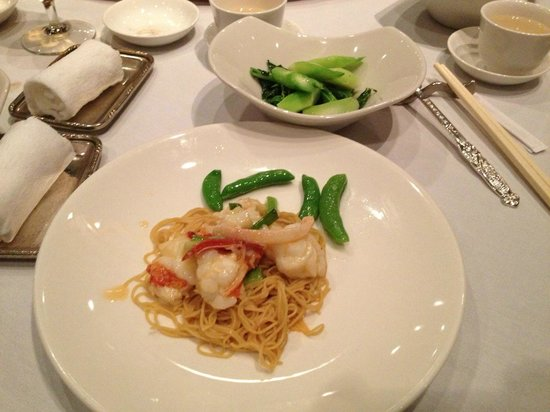 Flower Drum: Lobster with noodles