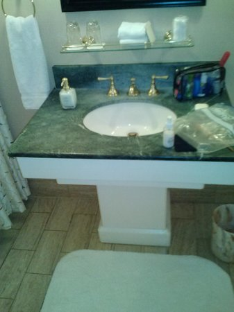 Hotel Crescent Court: Single Sink