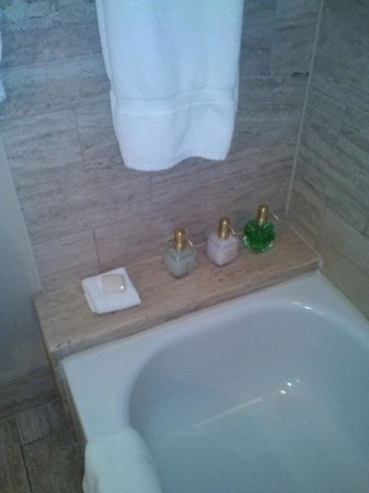 Hotel Crescent Court: Toiletries
