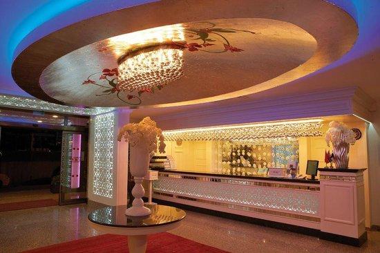 Flower Gardens Hotel: Reception