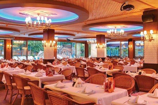 Flower Gardens Hotel: Restaurant