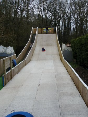 Fishers Farm Park: sledging fun