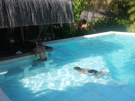 Villas de Trancoso Hotel: Pileta de marmol