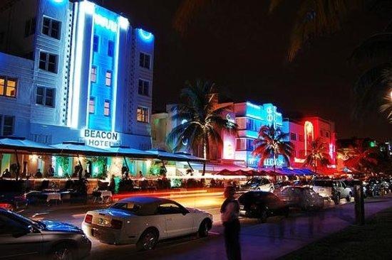Art Deco Historic District : Los colores de la noche