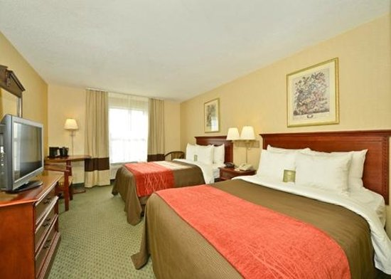Comfort Inn Airport: Two doubles guest room