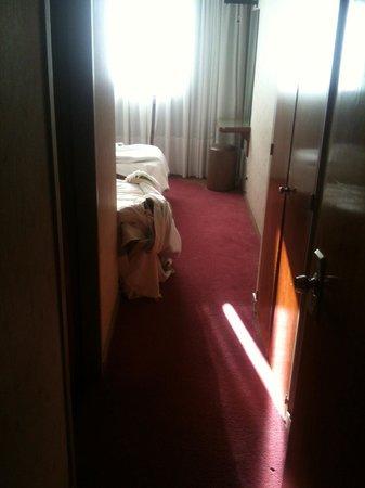 Internacional Jujuy Hotel: Suciedad