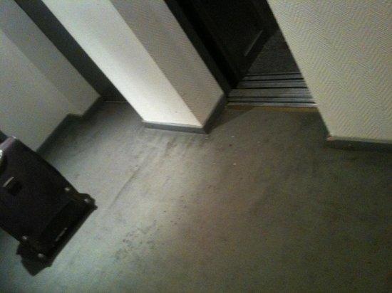 Internacional Jujuy Hotel: mas manchas, hasta el hall