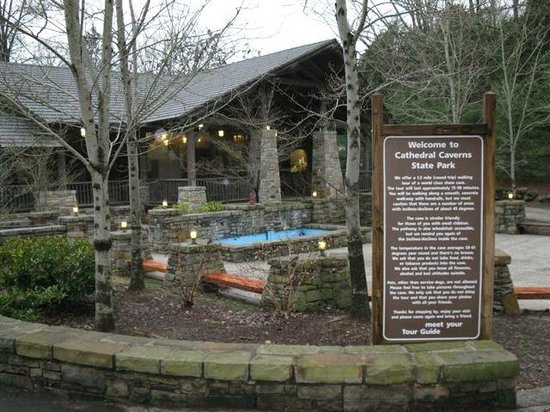 Cathedral Caverns State Park: Welcome center...