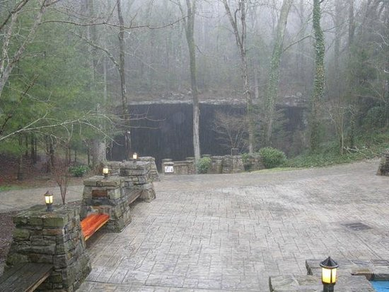 Cathedral Caverns State Park: Largest Opening to a cavern (126' across & 25' high)...