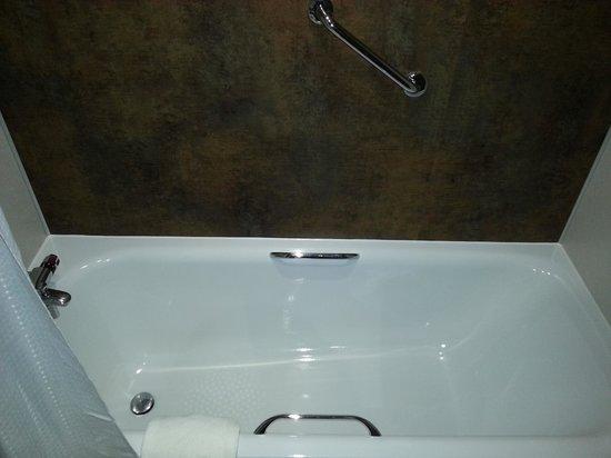 Cedar Court Hotel Wakefield: bath.