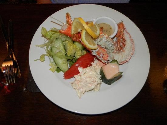 Wayside Cheer Hotel: Half Lobster Salad