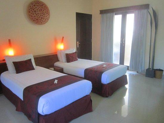 Hotel Vila Ombak: twin deluxe room
