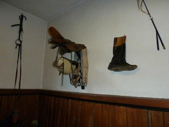Burg Windeck Hotel und Restaurant: Inside stable