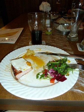 Burg Windeck Hotel und Restaurant: Fried Egg and Ham