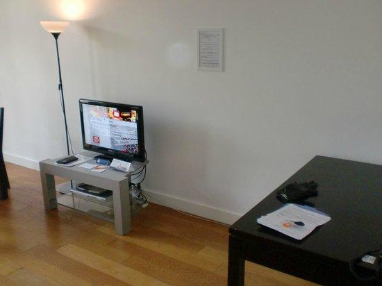 BridgeStreet Champs Elysees -  Berri : Living area