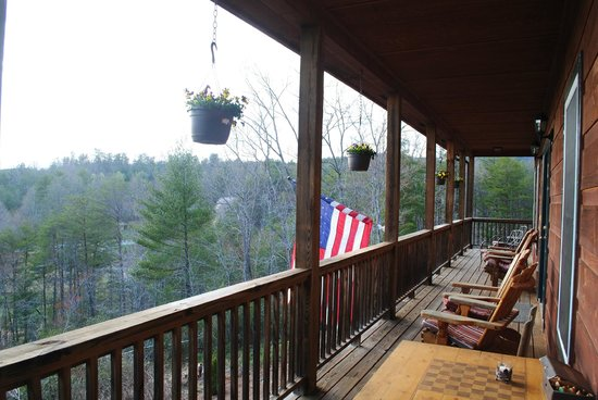 Long Mountain Lodge : Back porch