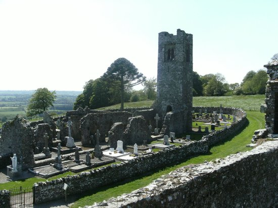 Beautiful Meath Tours: The Beautiful Bell Tower and Graveyard at The Hill of SLANE In CO.MEATH