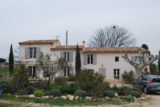 Les Petites Baronnes : The house (accommodation on the right side)