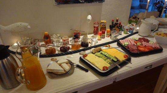 Swakopmund Guesthouse: Frühstrücksbuffet (sehr gut)