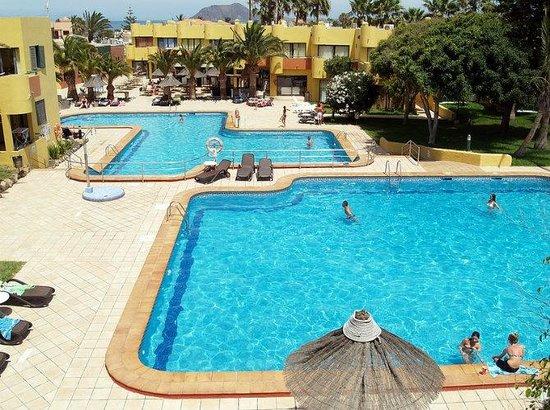 Atlantic Garden Beach Mate : Outdoor swimming pool
