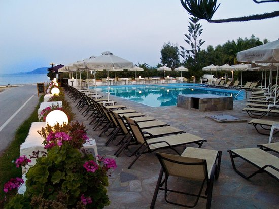 Georgioupolis Beach Hotel: Pool/Beach area