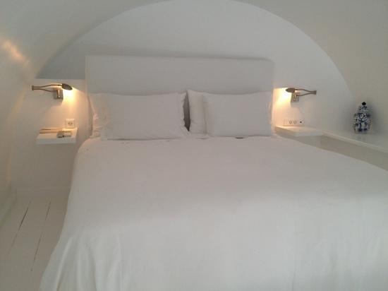 Katikies Hotel: bed room superior suite Katikies