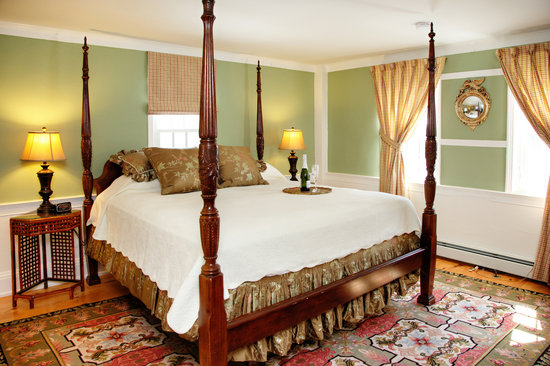 Yarmouth Port, MA: Suite