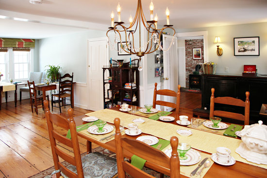 Yarmouth Port, MA: Large Dining Table