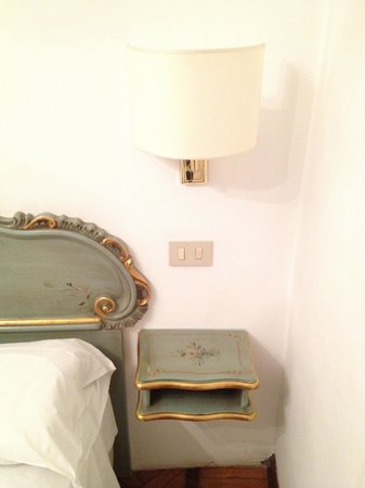 Hotel Serenissima: bed