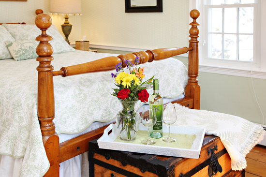 Yarmouth Port, MA: Guest Room
