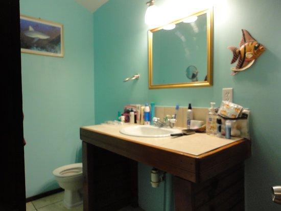 West Bay Lodge and Spa: Bathroom