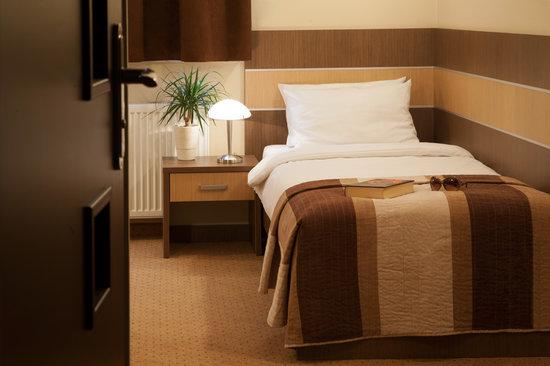 Hotel Sleep: Twin/Single Room