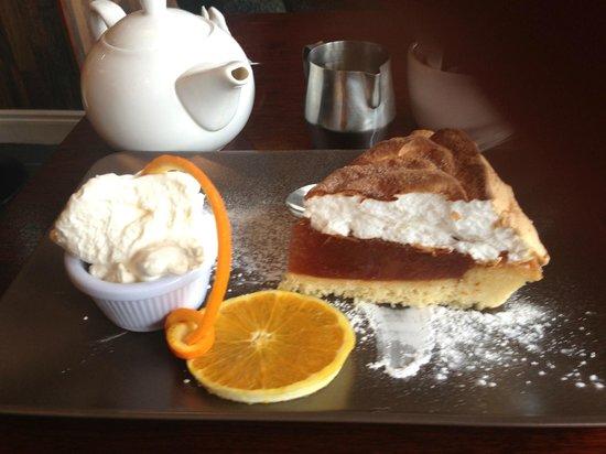 Coffee and Cream: Scrummy Cinnamon Meringue