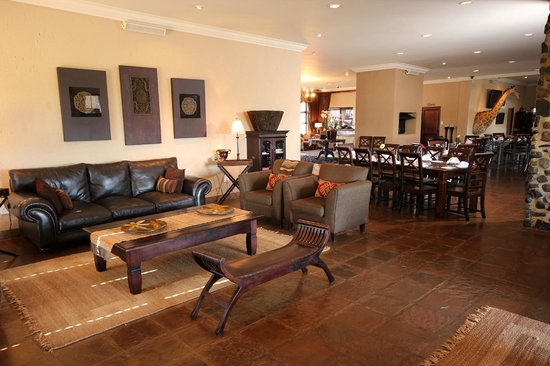 Ingudlane Lodge : One of the main Lodges Lounges