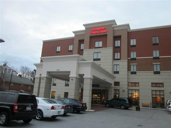 Hampton Inn & Suites Cincinnati/Uptown-University Area: Hampton Inn & Suites ~ Uptown University