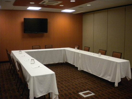 """Hampton Inn & Suites Cincinnati/Uptown-University Area: Uptown """"A"""" Room available for rent for Events"""