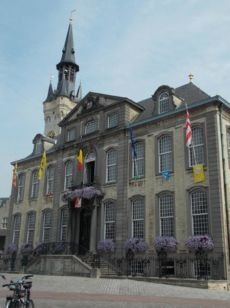Flandres, Belgique : Городская площадь