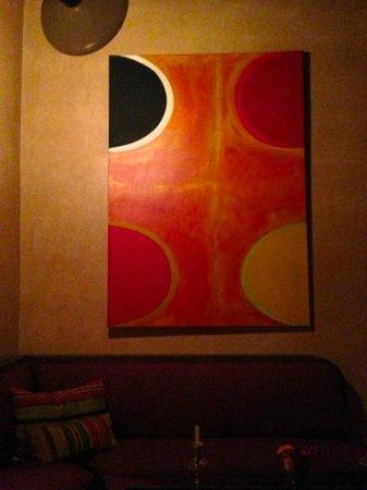 El Fenn Cocktail Bar & Restaurant : Art on wall