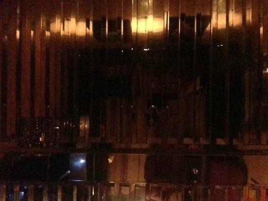 El Fenn Cocktail Bar & Restaurant : Ceiling mirrors