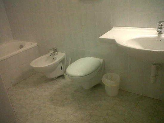 Albergo Villa Jolanda: Accessori bagno
