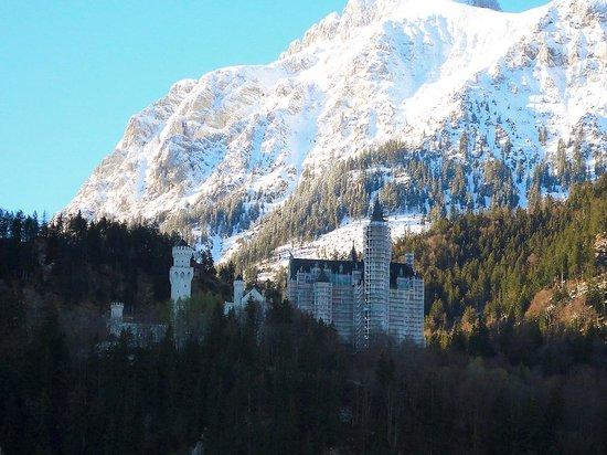 Altstadt von Fuessen: Alpes y castillo
