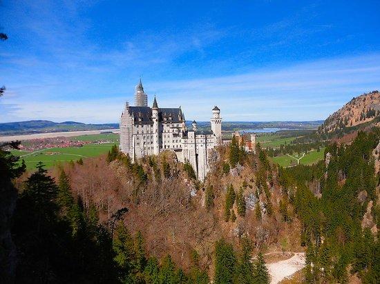 Altstadt von Fuessen: Castillo Neuschwanstein construido por el rey Ludwig II