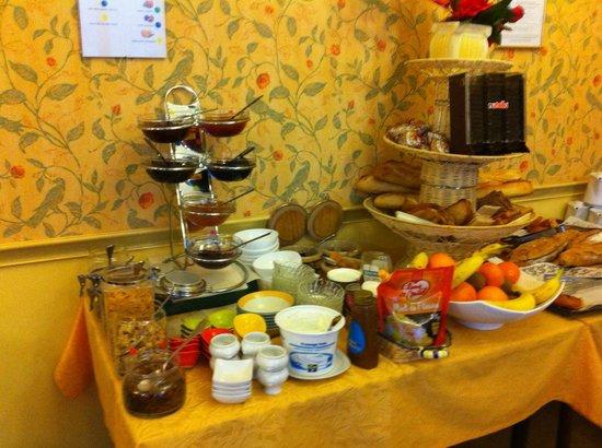 Hotel Bristol: une partie du petit déjeuner