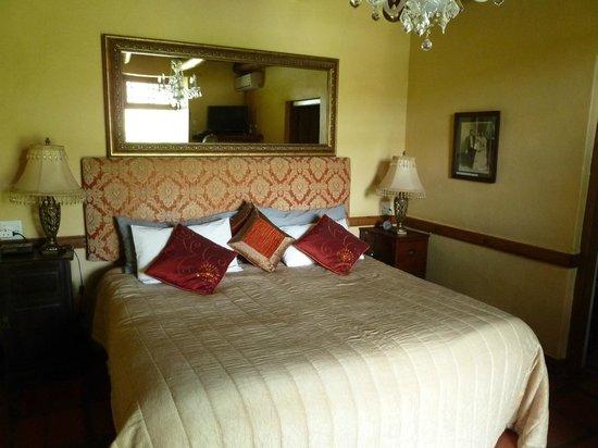 Oue Werf Guesthouse: Blick auf das Doppelbett