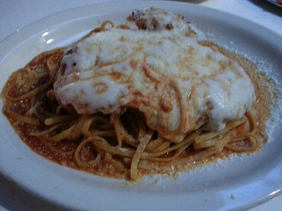 Anthony's Grill: Oily Chicken Parmesan